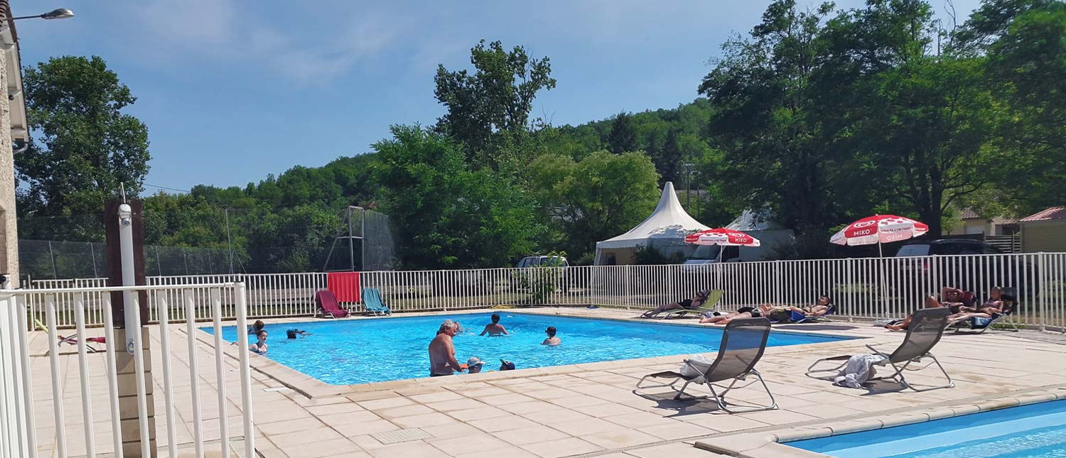 Camping avec piscine lot saint chamarand for Camping lot et garonne avec piscine